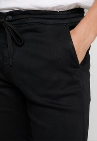 Replay - SERAF HYPERFLEX - Shorts - black