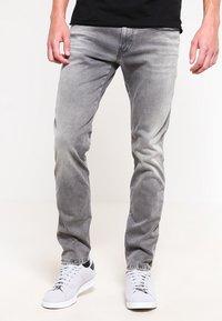 Replay - HYPERFLEX ANBASS - Slim fit jeans - grey denim - 0