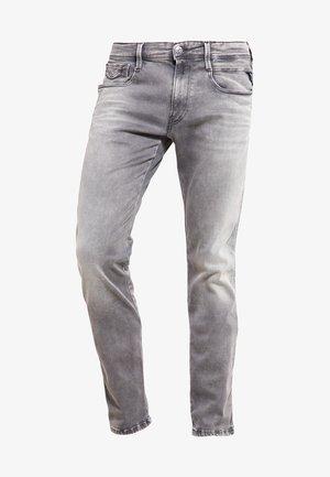 HYPERFLEX ANBASS - Slim fit -farkut - grey denim