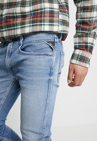 Replay - ANBASS - Slim fit jeans - light blue - 4