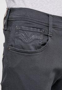 Replay - ANBASS HYPERFLEX - Slim fit jeans - blackboard - 3