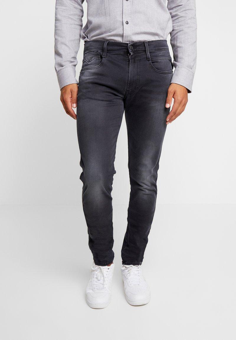 Replay - ANBASS HYPERFLEX - Jeans Slim Fit - medium grey