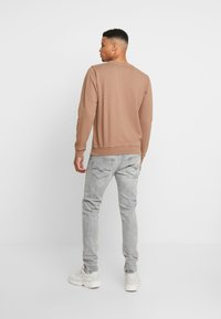 Replay - JONDRILL - Slim fit -farkut - medium grey - 2