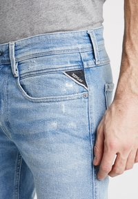 Replay - ANBASS - Jeans slim fit - light blue - 5