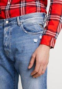 Replay - TINMAR - Straight leg jeans - medium blue - 5