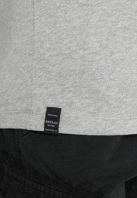 Replay - 2 PACK - Basic T-shirt - grey melange - 5
