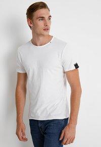 Replay - T-shirt basic - white - 0