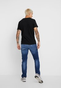 Replay - T-shirts med print - black - 2