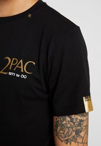 Replay - 2PAC TEE - Printtipaita - black - 5