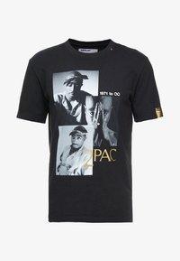 Replay - 2 PAC TEE - T-shirts med print - black - 4
