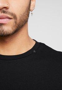 Replay - Basic T-shirt - black - 5