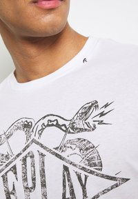 Replay - T-shirt con stampa - white - 5