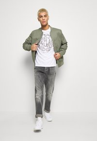 Replay - T-shirt con stampa - white - 1