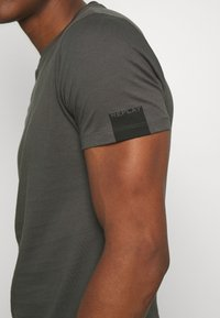 Replay - Basic T-shirt - slate grey - 5