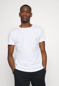 Replay - 3 PACK - Basic T-shirt - black/grey melange/white - 2