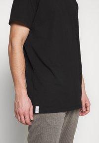 Replay - 3 PACK - Basic T-shirt - black/navy melange/white - 5