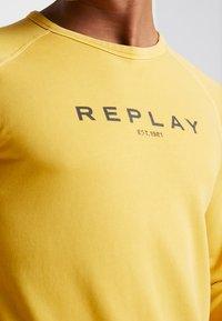 Replay - Sweatshirt - vintage yellow - 6