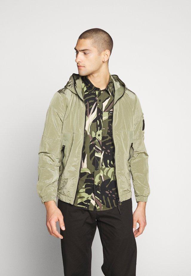 Leichte Jacke - sage green