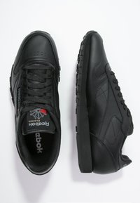 Reebok Classic - CLASSIC LEATHER LOW-CUT DESIGN SHOES - Trainers - black - 1