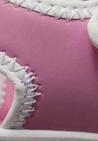 Reebok - WAVE GLIDER III SANDALS - Sandales de randonnée - pink - 10