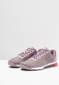 Reebok - SPEED TR FLEXWEAVE TRAINING SHOES - Kuntoilukengät - lilac/orchid/white/red - 2
