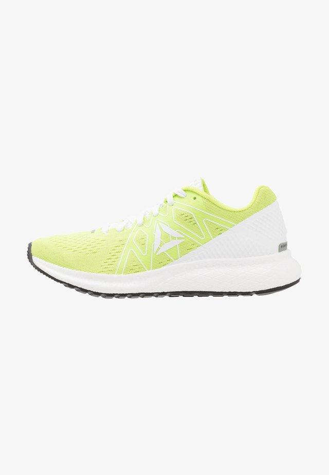 FOREVER FLOATRIDE ENERGY - Neutrální běžecké boty - neon lime/white/black