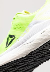 Reebok - FLOATRIDE RUN FAST - Zapatillas de running neutras - lime/white/red/black - 5