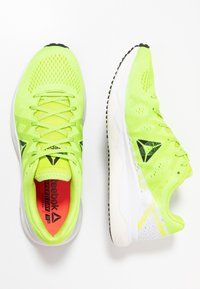 Reebok - FLOATRIDE RUN FAST - Zapatillas de running neutras - lime/white/red/black - 1