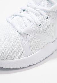 Reebok - REAGO ESSENTIAL - Sports shoes - white/true grey - 5