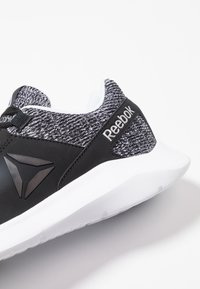 Reebok - ENERGYLUX - Scarpe running neutre - black/white/silver metallic - 5