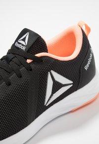 Reebok - ASTRORIDE ESSENTIAL - Neutrální běžecké boty - black/sunglow/white/silver - 5