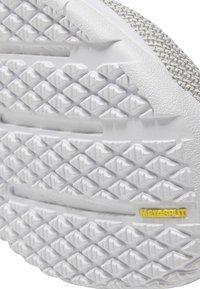 Reebok - NANO 9 - Sports shoes - white/grey - 8