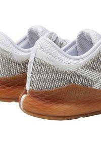 Reebok - NANO 9 - Sports shoes - white/grey - 6