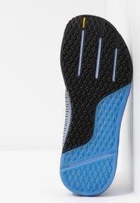 Reebok - NANO 9 - Sports shoes - white/black/blubla - 4