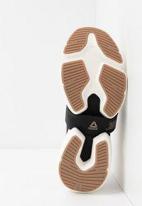 Reebok - SPLIT FLEX - Sports shoes - buff/black/chalk - 4