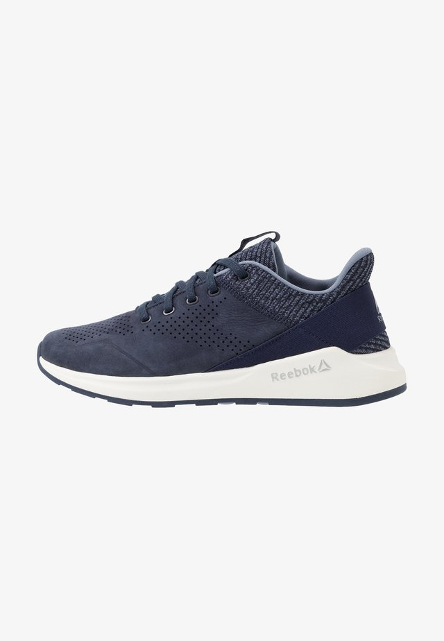 EVER ROAD DMX 2.0 - Neutrala löparskor - navy/indigo/chalk