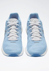 Reebok - FOREVER FLOATRIDE ENERGY SHOES - Neutral running shoes - blue - 3
