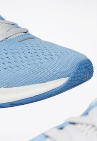Reebok - FOREVER FLOATRIDE ENERGY SHOES - Neutral running shoes - blue - 4
