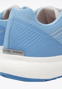 Reebok - FOREVER FLOATRIDE ENERGY SHOES - Neutral running shoes - blue - 6