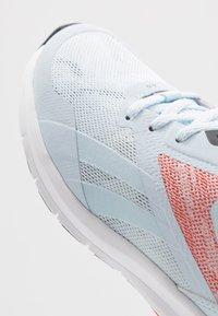 Reebok - RUNNER 4.0 - Neutrální běžecké boty - glass blue/vivid orange/cool grey - 5