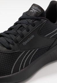 Reebok - LITE 2.0 - Zapatillas de competición - black/true grey - 5
