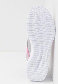 Reebok - FLEXAGON ENERGY TR 2.0 - Zapatillas de entrenamiento - cold shade/cold grey/posh pink - 4