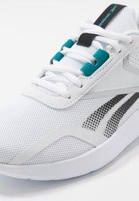 Reebok - ENERGYLUX 2.0 - Zapatillas de running neutras - white/black/silver metallic - 5