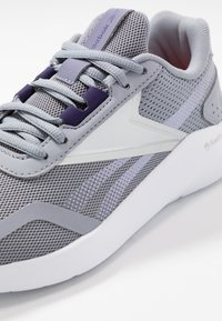 Reebok - ENERGYLUX 2.0 - Obuwie do biegania treningowe - grey/white/metallic silver - 5