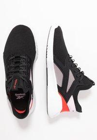 Reebok - FREESTYLE MOTION - Sports shoes - black/pix pink/read red - 1