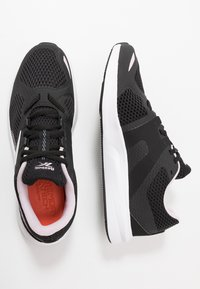 Reebok - ENDLESS ROAD 2.0 - Obuwie do biegania treningowe - black/white/pix pink - 1