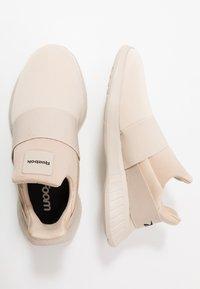 Reebok - LITE SLIP ON - Chaussures de running neutres - stucco/modern beige/black - 1