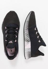 Reebok - FLASHFILM 2.0 - Chaussures de running neutres - black/cold grey/pix pink - 1