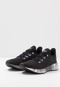 Reebok - FLASHFILM 2.0 - Chaussures de running neutres - black/cold grey/pix pink - 2