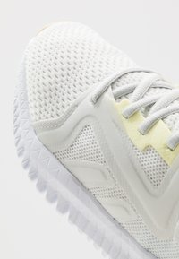 Reebok - REEBOK FLEXAGON 3.0 - Sports shoes - trace grey/lemon glow/white - 5